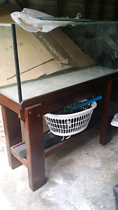 200litre fishtank or reptile tank on stand with all accessories Benowa Gold Coast City Preview