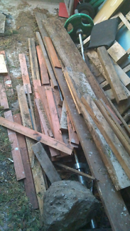 FREE construction building materials pine planks wood screen