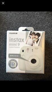 Brand new - White Instax Mini 9