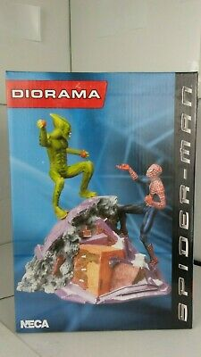 NECA MARVEL SPIDER-MAN DIORAMA ACTION FIGURE