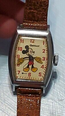 Vintage 1940s Ingersoll MICKEY MOUSE DISNEY WRISTWATCH w/ Leather Band RUNS