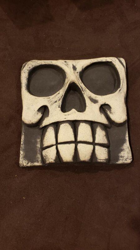 VanTiki Tiki Tile Skull Halloween