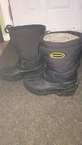 Ladies size 5 winter boots
