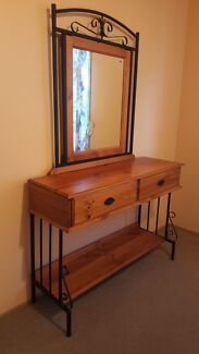 Dressing table Hoppers Crossing Wyndham Area Preview