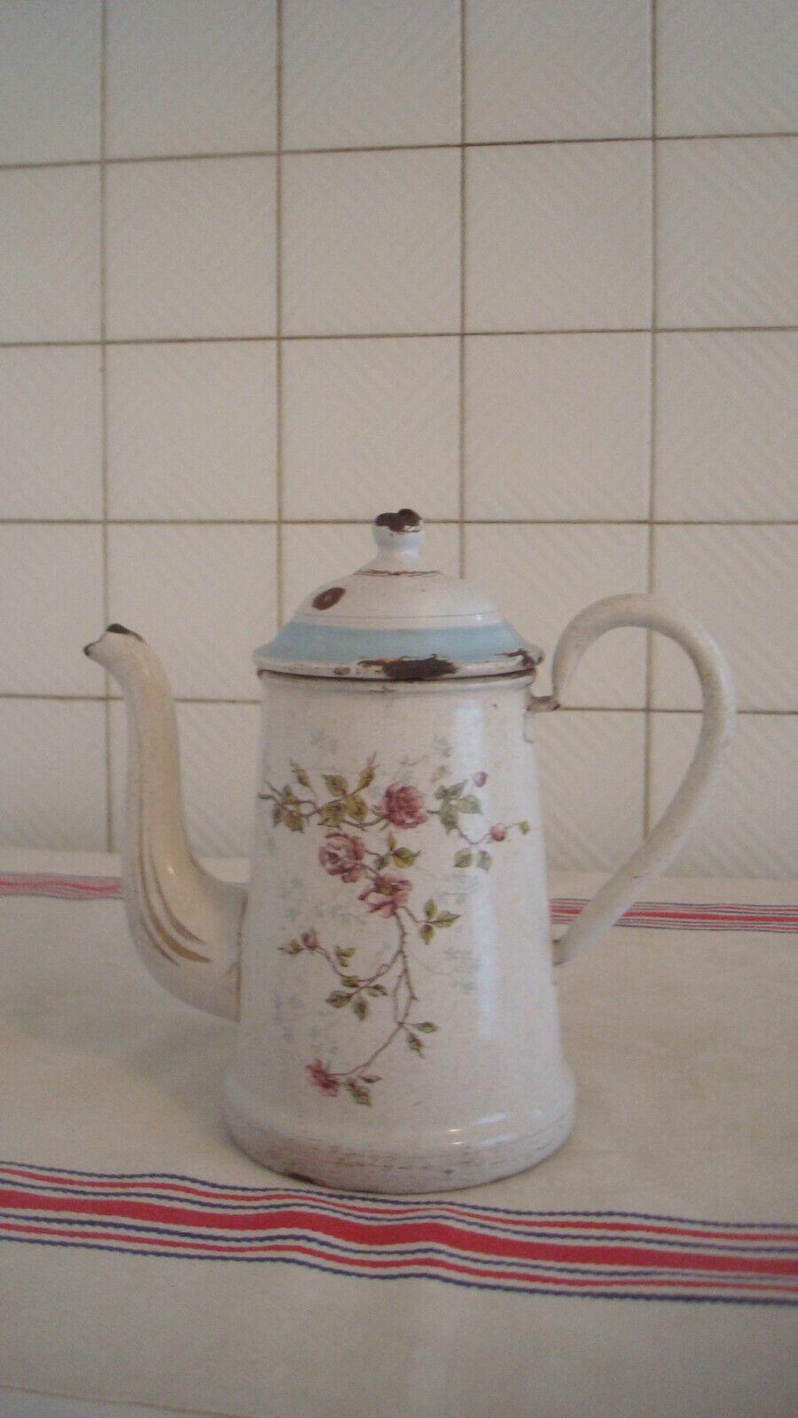 Petite cafetière émaillée très ancienne  bb 86jv21