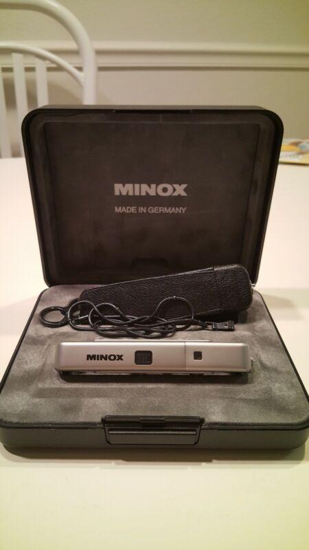MINOX TLX BOXED SET- DISPLAY BOX, ORIGINAL LEATHER CASE, CHAIN, MANUAL - MINT