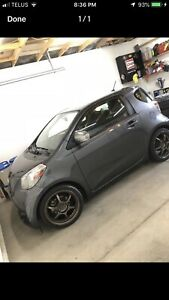**** Toyota Scion IQ , no accidents low kms.
