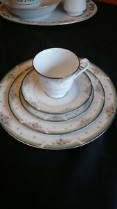 Rare Noritake Greenbrier 5 piece/ 5 place setting