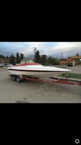 Nice and fast boat inboard 350  22 feet