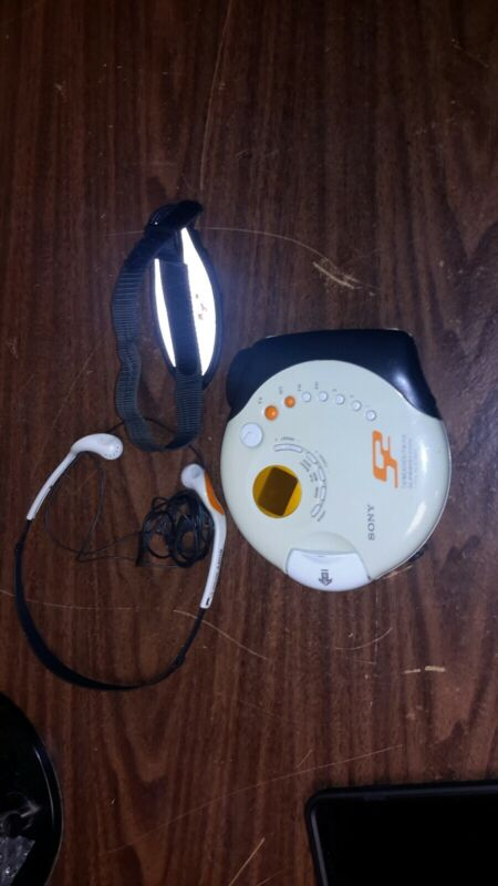 Sony D-FS601 S2 Sports Portable Walkman CD / WB /TV Player w/MDR-W014 Headphones