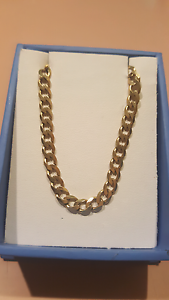 55cm  solid gold chain Elizabeth Grove Playford Area Preview