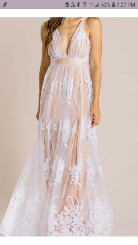 Luxxel White And Nude Velvet Lace Maxi Wedding Dress size S New With Tags