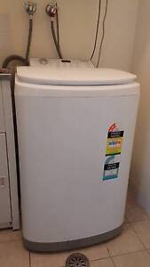 4 months old Simpson 5.5kg Top Load Washing Machine Holroyd Parramatta Area Preview