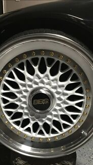 Geniune bbs 17x9.5 5x114.3 mint condition like brand new