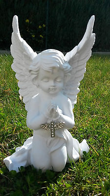 Engel betend knieend mit Kreuz 18 cm