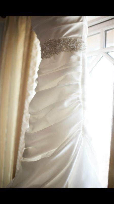 Designer Wedding Dress, Paloma Blanca Mermaid Style (Mikaella) Size 8(Adjustable)