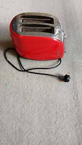 Morphy Richards Toaster in half price in excellent condition St Leonards Willoughby Area Preview