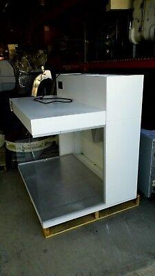 Envirco 10564 Laminar Flow Fume Hood Work Station