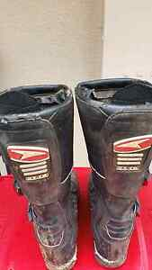 Dirt bike boots Rosebery Palmerston Area Preview
