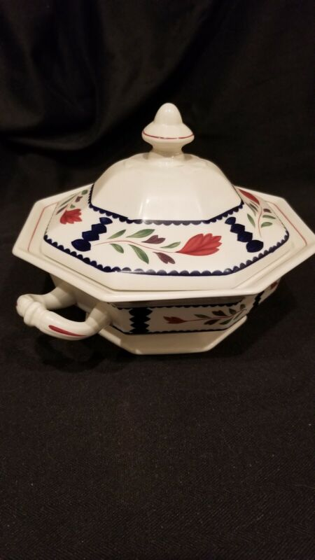 "Adams China - Lancaster pattern - Round Covered Vegetable. XLNT. 8.5""w"