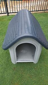 Medium sized dog kennel in excellent condition Largs Bay Port Adelaide Area Preview
