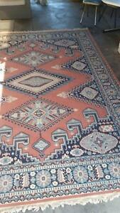 Rug 340cm x 240cm. Excellent quality and condition. Delvry avail.