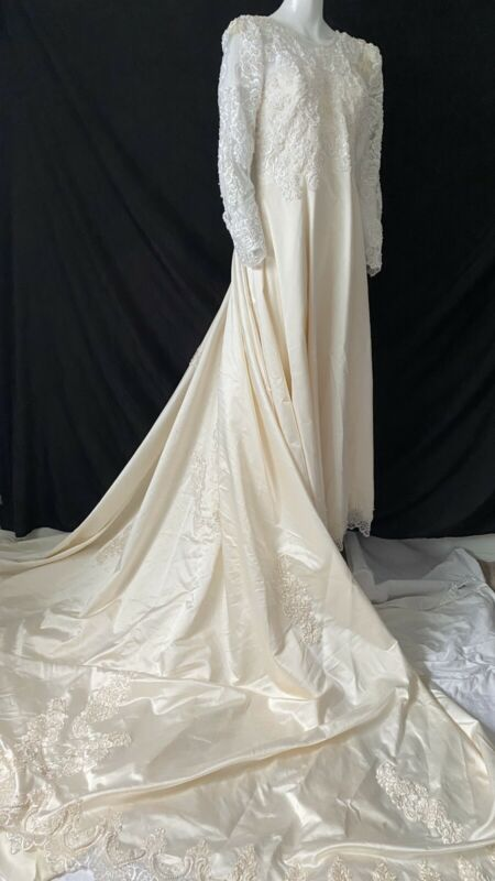 Vintage Satin And Pearls Wedding Dress Large Train