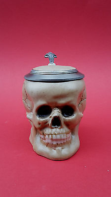 Stilarts Totenkopf Bierkrug Bierhumpen Skull Porzellan