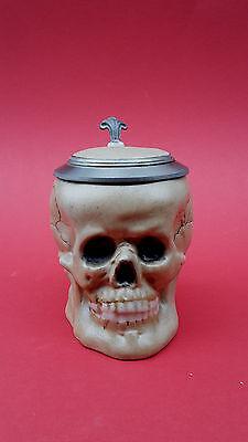 Stilarts Totenkopf Bierkrug Bierhumpen Skull Porzellan Gothic Krug