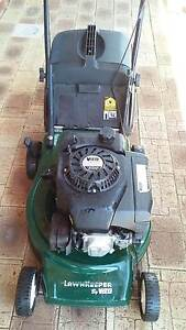 Lawn mower  4 Stroke engine East Cannington Canning Area Preview
