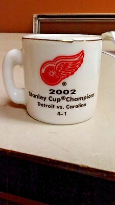 Nhl Stanley Cup Crazy Mini Mug Detroit Red Wings 2002 Champs W Opponent   Score