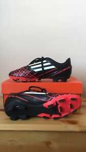 Jr Nike Bomba 2 Size 4.5 Y - Soccer shoes