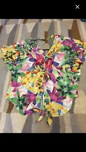 Jessica Simpson Xlg Flower Blouse