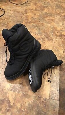 Chanel Women's short snow boots  EU size 40 ,Runs Small Fit A US Size 7.5 Or 8