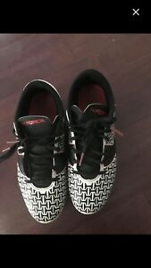 Youth size 3 soccer shoes Pick up Hidden valley nw only