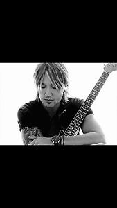 Keith Urban centre bell
