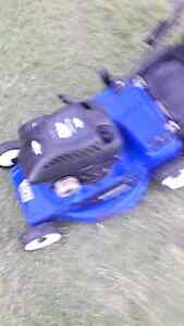 For sale Victor lawn mower with Briggs & Stration motor VGC Glamorgan Vale Ipswich City Preview