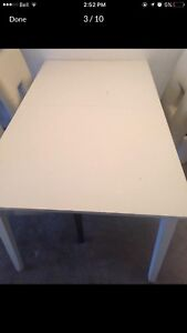 White Dining Table ( no dirt )