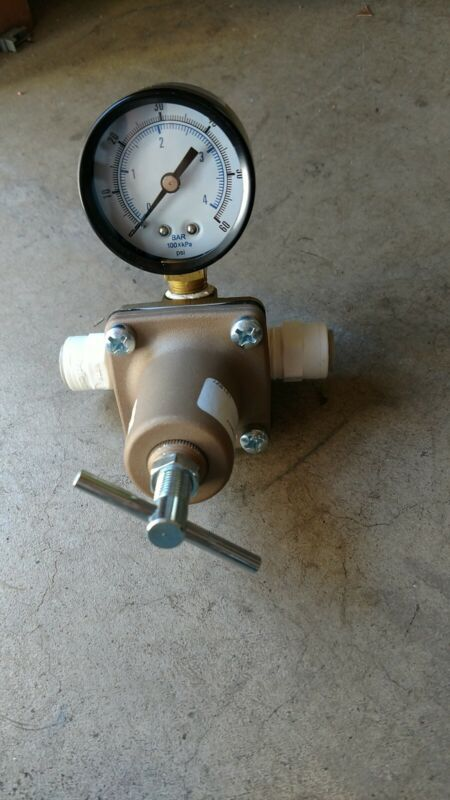 WATTS LF263A 10-125 psi 3/8 Compact Water Pressure Regulator