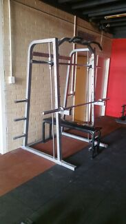 Smith machine and pull up bar machine Parkwood Canning Area Preview