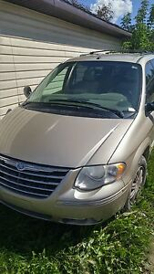 2007 Chrysler town and country limited edition