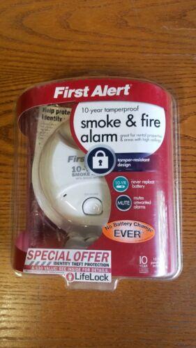 First Alert SA10YR 10 Year Lithium Power Smoke Detector