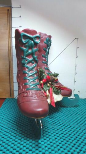 Ice Skates, Christmas Decor, Musical, House of Lloyd, Plays Winter Wonderland""