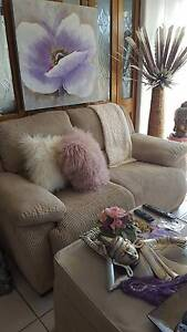BEAUTIFUL COMPHY PLUSH FURNITURE LOUNGE 1X2 2X1 RECLINERS Kempsey Kempsey Area Preview