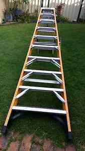 Gorilla industrial fibreglass 3M step ladder Mansfield Brisbane South East Preview
