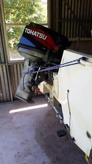 Tohatsu 30hp boat motor + extra spare parts. No leg, was working