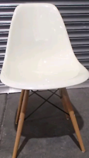 Set of 3 dining chairs off white / cream plastic replica eames