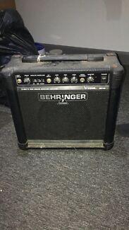 Behringer V-Tone GM 108 15w amp