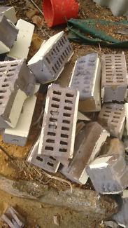Bricks and rubble, Free