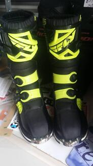New Kids Fly Racing Motocross/Mx boots Sz 3 $150